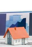 χρηματοδοτώντας σπίτι Στοκ φωτογραφία με δικαίωμα ελεύθερης χρήσης