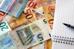 Χρηματοδότηση, λογαριασμοί/σημειώσεις των ευρώ Στοκ φωτογραφία με δικαίωμα ελεύθερης χρήσης