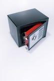 Χρηματοκιβώτιο, τιμαλφή, συλλογή νομισμάτων, άσπρο υπόβαθρο Στοκ φωτογραφία με δικαίωμα ελεύθερης χρήσης