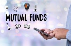 Χρηματοδότηση ΑΜΟΙΒΑΊΩΝ ΚΕΦΑΛΑΊΩΝ και έννοια χρημάτων, εστίαση στο αμοιβαίο κεφάλαιο ι Στοκ φωτογραφία με δικαίωμα ελεύθερης χρήσης