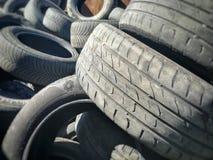 Χρησιμοποιημένα ελαστικά αυτοκινήτου για την ανακύκλωση Στοκ εικόνα με δικαίωμα ελεύθερης χρήσης