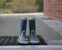 Χρησιμοποιημένες λαστιχένιες μπότες Στοκ Φωτογραφία