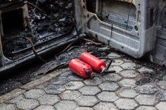 Χρησιμοποιημένος πυροσβεστήρας αυτοκινήτων Στοκ εικόνες με δικαίωμα ελεύθερης χρήσης