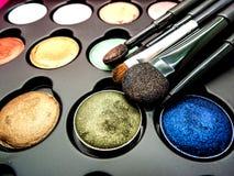 Χρησιμοποιημένο καλλυντικό μαξιλάρι, σκιά ματιών, brusher σκαφών της γραμμής ματιών, χείλι, highl Στοκ Εικόνες