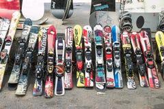 Χρησιμοποιημένο σκι στοκ φωτογραφίες