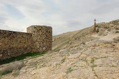 Χριστιανικός σταυρός κοντά στο αρχαίο μοναστήρι Khor Virap Στοκ Φωτογραφία