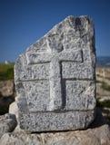 Χριστιανικός σταυρός στο Stone σε Laodicea Στοκ Φωτογραφία