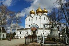 Χριστιανισμός Ρωσία, πόλη Yaroslavl, καθεδρικός ναός Uspensky στοκ εικόνες