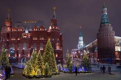 Χριστουγεννιάτικα δέντρα στην πλατεία Manezhnaya στοκ φωτογραφία με δικαίωμα ελεύθερης χρήσης