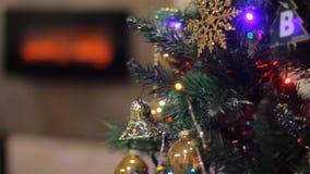 Χριστουγεννιάτικο δέντρο και εστία απόθεμα βίντεο