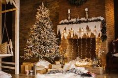 Χριστουγεννιάτικο δέντρο και διακόσμηση Στοκ φωτογραφίες με δικαίωμα ελεύθερης χρήσης