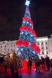 Χριστουγεννιάτικο δέντρο και μουσικοί στοκ φωτογραφία με δικαίωμα ελεύθερης χρήσης