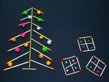 Χριστουγεννιάτικο δέντρο με τις αντιστοιχίες, διακόσμηση Χριστουγέννων Στοκ εικόνα με δικαίωμα ελεύθερης χρήσης