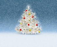 Χριστουγεννιάτικο δέντρο με τις σφαίρες και γιρλάντα που διακοσμείται ψεκασμένα snowflakes Στοκ Εικόνες