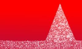Χριστουγεννιάτικο δέντρο που γίνεται από snowflakes στο κόκκινο υπόβαθρο Στοκ Εικόνες