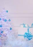 Χριστουγεννιάτικο δέντρο στο εσωτερικό στοκ εικόνες