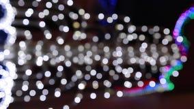 Χριστουγεννιάτικο δέντρο Blured με ζωηρόχρωμο απόθεμα βίντεο