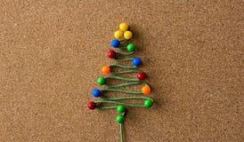Χριστουγεννιάτικο δέντρο από τις καρφίτσες Στοκ φωτογραφίες με δικαίωμα ελεύθερης χρήσης
