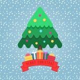 Χριστουγεννιάτικο δέντρο διακοσμήσεων με τις σφαίρες Συσκευάζοντας δώρα Στοκ Εικόνα