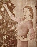 Χριστουγεννιάτικο δέντρο επιδέσμου γυναικών Χριστουγέννων Nostalgy Στοκ Εικόνες