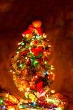 Χριστουγεννιάτικο δέντρο με τα φω'τα Στοκ φωτογραφία με δικαίωμα ελεύθερης χρήσης