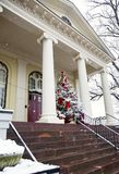 Χριστουγεννιάτικο δέντρο στο δικαστήριο σε Warrenton Βιρτζίνια Στοκ εικόνα με δικαίωμα ελεύθερης χρήσης