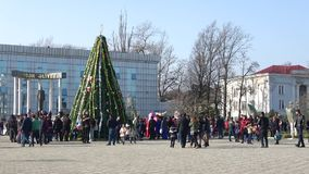 Χριστουγεννιάτικο δέντρο στο κεντρικό τετράγωνο Lankaran φλυάρων φιλμ μικρού μήκους
