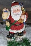 Χριστούγεννα, Άγιος Βασίλης με το κόμμα στο χιόνι Στοκ φωτογραφίες με δικαίωμα ελεύθερης χρήσης