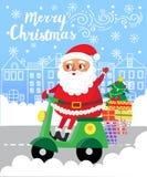 Χριστούγεννα εύθυμα Άγιος Βασίλης στο μηχανικό δίκυκλο με τα δώρα στην πόλη Στοκ Εικόνες