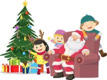 Χριστούγεννα εύθυμα απεικόνιση των ευτυχών παιδιών με Άγιο Βασίλη απεικόνιση αποθεμάτων