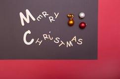 Χριστούγεννα εύθυμα ευχετήρια κάρτα και διακοσμήσεις πρόσθετα Χριστούγεννα μορφής ανασκόπησης Στοκ Φωτογραφίες