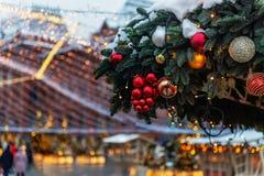Χριστούγεννα και νέος χρόνος στη Μόσχα στον κόκκινο γαιοκτήμονα στοκ εικόνα με δικαίωμα ελεύθερης χρήσης