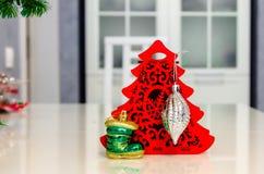Χριστούγεννα και νέο έτος, κόσμημα, δέντρο, σύμβολα Στοκ εικόνες με δικαίωμα ελεύθερης χρήσης