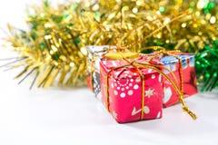 Χριστούγεννα και νέο κιβώτιο δώρων έτους Στοκ Φωτογραφία