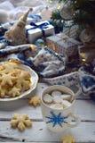 Χριστούγεννα και νέο υπόβαθρο έννοιας εορτασμού διακοπών έτους Φλυτζάνι του κακάου με marshmallow, το σπιτικά μπισκότο σοκολάτας  Στοκ εικόνα με δικαίωμα ελεύθερης χρήσης