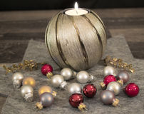 Χριστούγεννα, κερί με τις σφαίρες Χριστουγέννων Στοκ Εικόνες