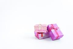 Χριστούγεννα κιβωτίων δώρων στο λευκό Στοκ Φωτογραφίες