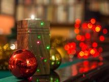 Χριστούγεννα στη βιβλιοθήκη Στοκ εικόνα με δικαίωμα ελεύθερης χρήσης