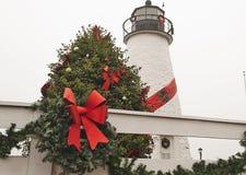 Χριστούγεννα στη Μέρυλαντ με το φάρο και το στεφάνι στοκ εικόνες με δικαίωμα ελεύθερης χρήσης