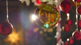 Χριστούγεννα σφαιρών ζωηρόχρωμα Σύνολο απομονωμένων ρεαλιστικών διακοσμήσεων Στοκ Εικόνες