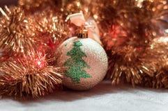 Χριστούγεννα σφαιρών χρυσά Στοκ Εικόνα