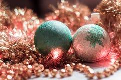 Χριστούγεννα σφαιρών χρυσά Στοκ φωτογραφίες με δικαίωμα ελεύθερης χρήσης