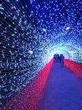 Χριστούγεννα των οδηγήσεων ακρών κεριών και νέα φω'τα έτους Στοκ φωτογραφία με δικαίωμα ελεύθερης χρήσης