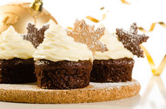 Χριστούγεννα cupcakes με τη νιφάδα χιονιού Στοκ Φωτογραφίες