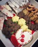 Χριστούγεννα goodies σε ένα πιάτο Στοκ εικόνες με δικαίωμα ελεύθερης χρήσης