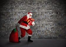 Χριστούγεννα Santa με τα δώρα. Στοκ φωτογραφία με δικαίωμα ελεύθερης χρήσης