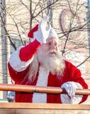 Χριστούγεννα Santa σε μια παρέλαση Στοκ Εικόνες