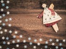 Χριστούγεννα, snowflakes εγγράφου, άγγελος, ξύλο υποβάθρου, διάστημα αντιγράφων Στοκ εικόνες με δικαίωμα ελεύθερης χρήσης