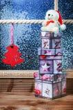 Χριστούγεννα Teddy, χριστουγεννιάτικα δώρα Στοκ φωτογραφία με δικαίωμα ελεύθερης χρήσης