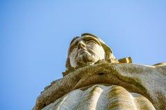 Χριστός ο βασιλιάς και ο ηλιόλουστος μπλε ουρανός Στοκ εικόνα με δικαίωμα ελεύθερης χρήσης